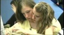 Abigail Et Brittany Hensel : Deux Personnes Pour Un Seul Corps ! http://www.dailymotion.com/video/x18pxee_abigail-brittany-hensel-deux-personnes-pour-seul-corps_news