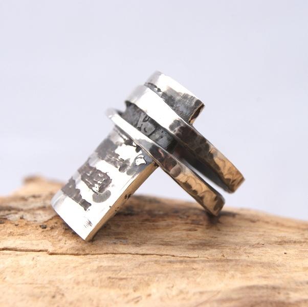 Stoere zilveren ring. http://www.innerjewels.nl/sieraden-voor-mannen/zilveren-ring-voor-heren-detail