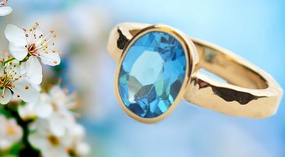 Our gorgeous gold topaz ring <3
