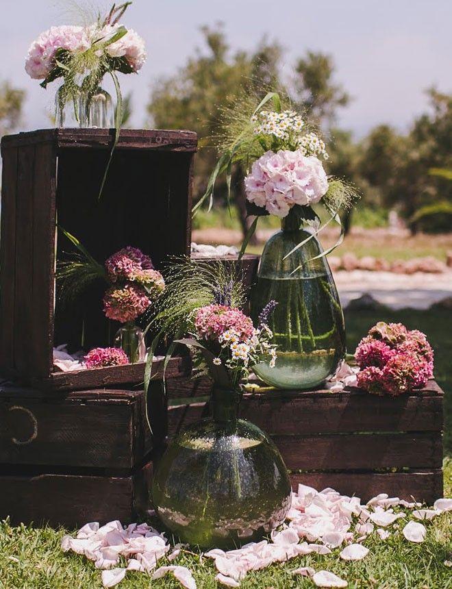 Ideal con cajas marrones y jarrones vintage las bodas con for Decoracion de jarrones