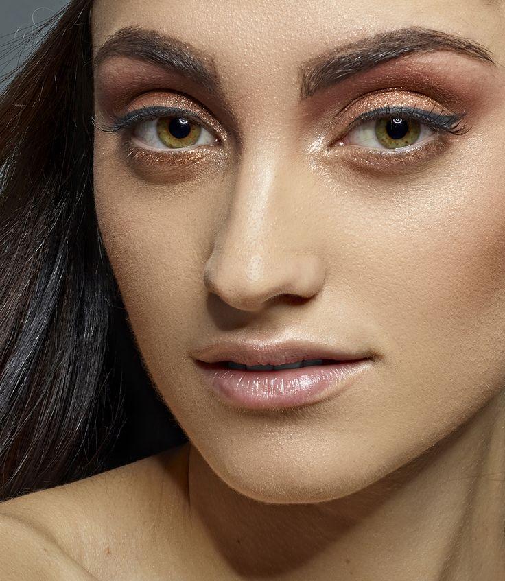 Cursos de Maquillaje de Belleza Specific Beauty. Inicio: 16 de Abril de 2018 (3 meses, todos los lunes) – 12 clases Inicio: 20 de Abril de 2018 (3 semanas, todos los viernes) – 12 clases Infórmate✉: hola@colors-up.com ☎93412 55 11 - Barcelona