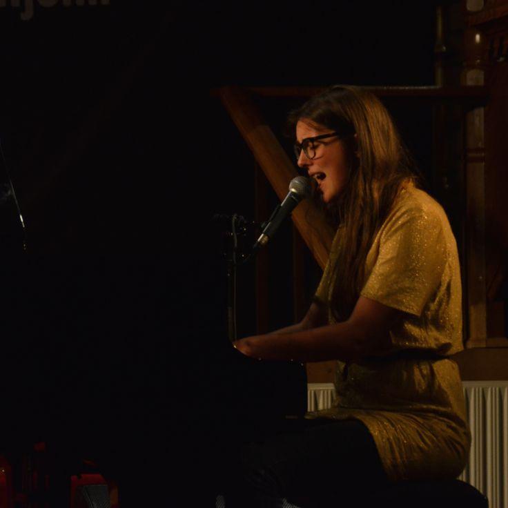 Nanna Schelde playing in a big church in Frederikshavn
