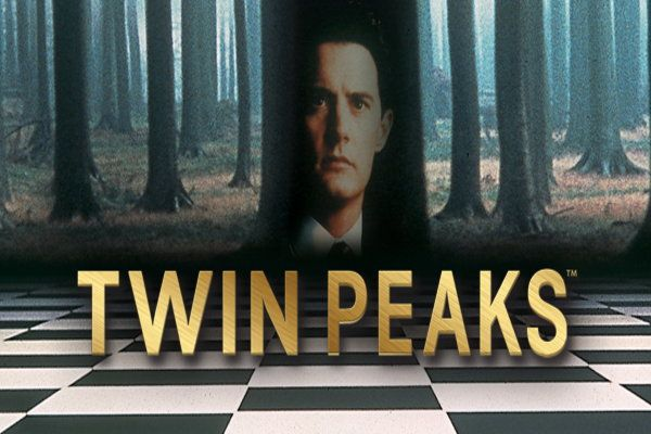 """Watch the complete series of """"Twin Peaks"""" (1990-91) free, via Hulu!"""