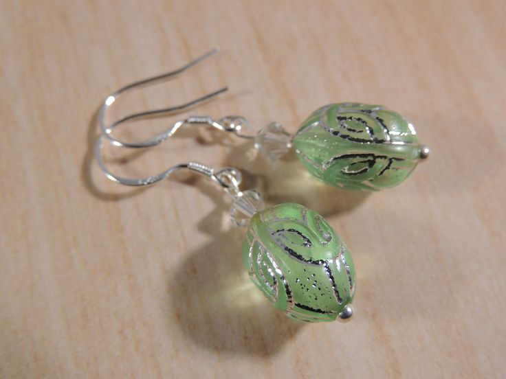 Silver detailed green glass sterling silver earrings