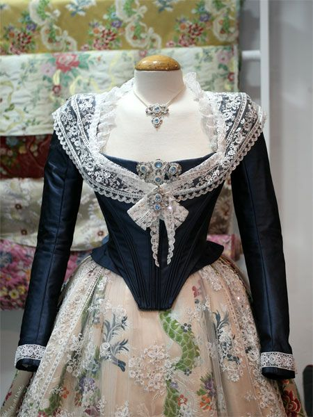 casacas moda mujer siglo xviii - Buscar con Google