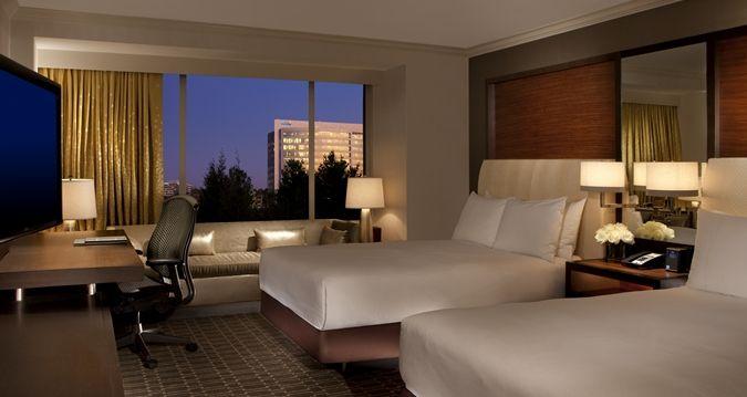 Hilton McLean Tysons Corner, VA Hotel - Double Guestroom