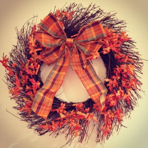 Halloween at The Homespun Loft. A loved Autumn wreath I have had a long time...