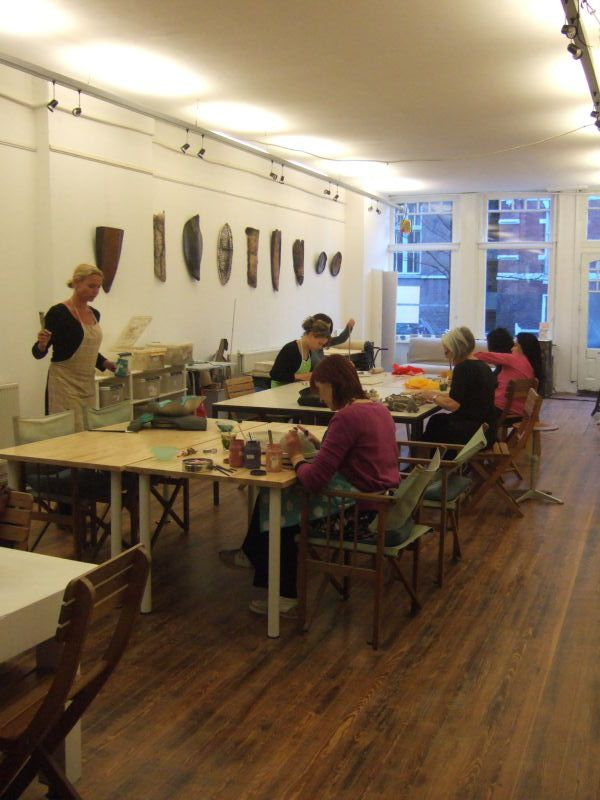 Studio space is available for the experienced ceramic artist.     •   An ideal option for those looking for a more relaxed and modern ceramic workspace.