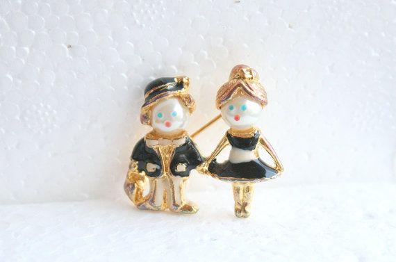 Bride & Groom Figural Brooch Vintage Pin by CamanoIslandVintage, $32.50: Vintage Weddings, Vintage Bride, Vintage Pin, Groom Figural, Bride Groom