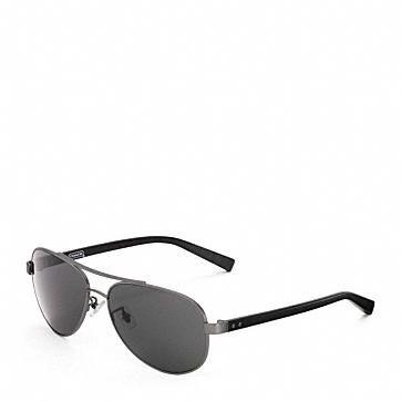 Neue Herren-Sonnenbrillen bei Coach Handsome!