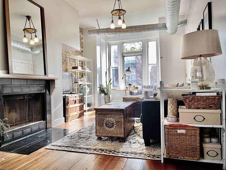 Light Filled Apartment For Rent In Chicago S Bucktown Neighborhood Apartment Interior Design Apartment Interior Apartments For Rent