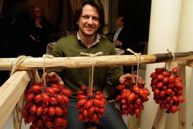 "Italian Chefs Fight Forgery of Italian Food with Official Recipe for ""Spaghetti al Pomodoro con Basilico"""