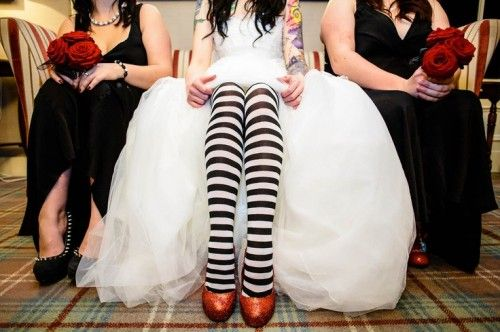 very cute idea love the stockings, perfect for that spooky occassion.  via:weddingomania