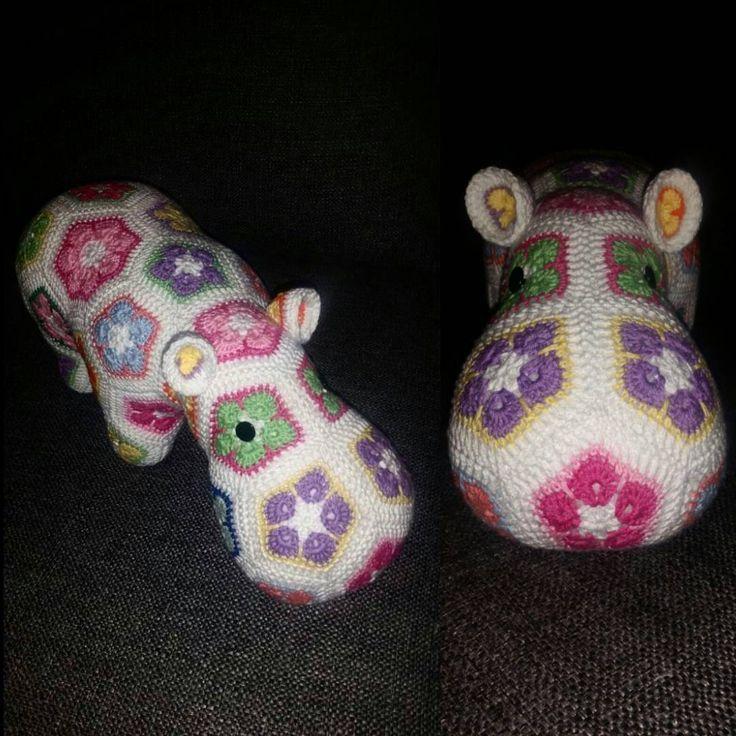 """@mariavirkar på Instagram: """"En liten flodhäst. #virka #crochet #virkat #crocheting #crochetersofinstagram #crochetersanonymous #flodhäst #hippo #happyhippo #mormorsrutor #babyshower """""""