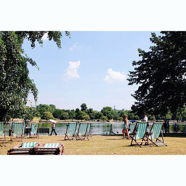 #theserpentinelake #bythelake #london #londonpark #chillin #sunnyday #hydepark #summerinlondon #july…