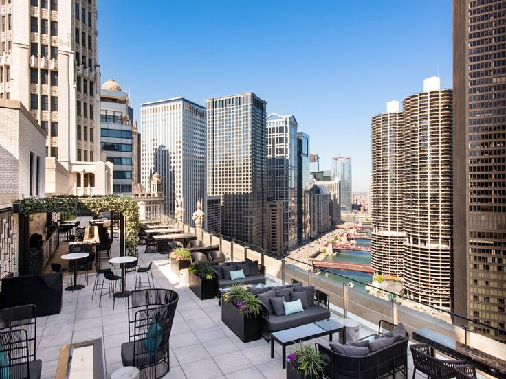 5 Chicago Rooftop Bars & Restaurants for Viewing the St. Patrick's Day Parade