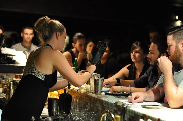 Moving to NZ? Learn a bit about working in the hospitality industry. The Pros and Cons