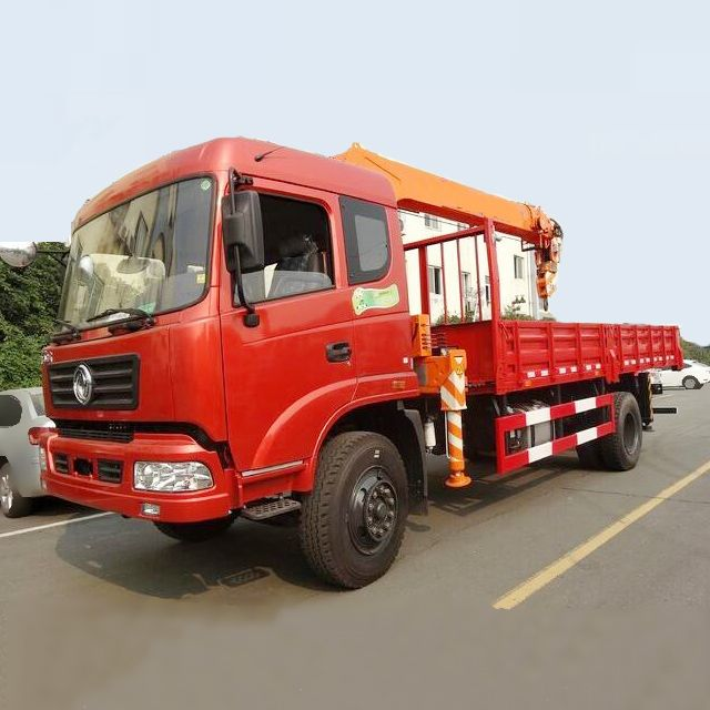 Dongfeng 4x2 5 Ton Truck Mounted Crane For Sale