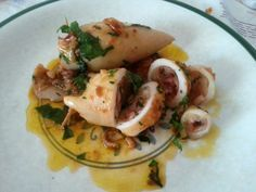 Receta de calamares rellenos - Como hacer calamares rellenos - receta de calamares rellenos en salsa - Calamari Ripieni - Stuffed Squid