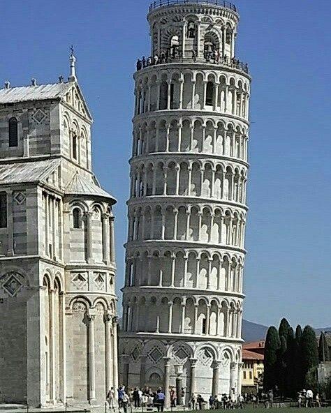 Toscana. Torre de Pisa.  Italy.