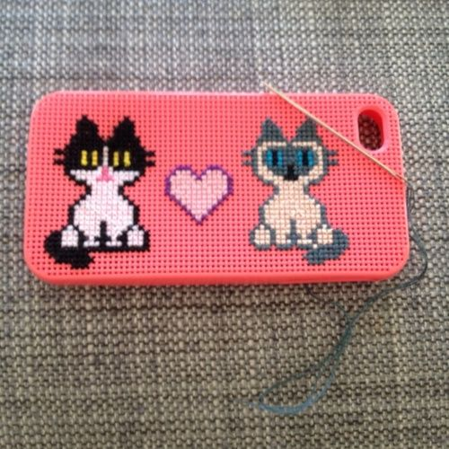 Cross stitched kitty iphone case 2012