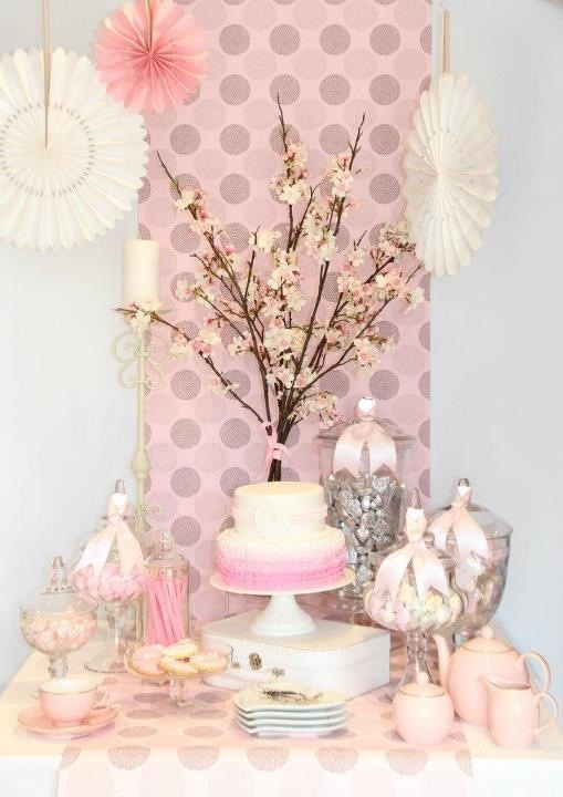 Pink candy buffet.