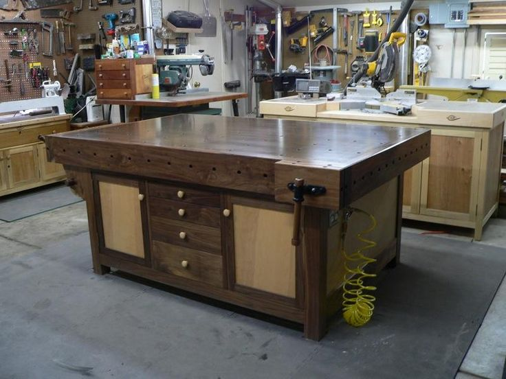 25 Best Ideas About Woodworking Bench On Pinterest Garage Workshop Work Bench Diy And Tool