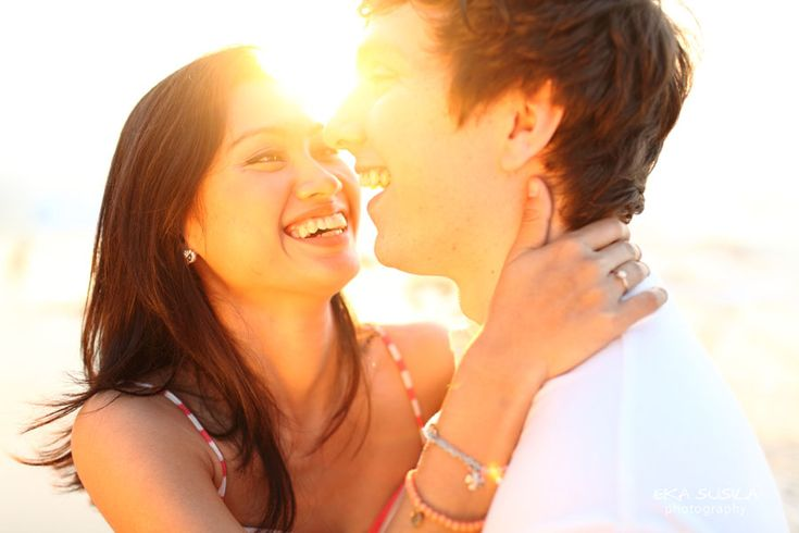 4 Keys to Have Casually Awesome Pre-Wedding Photos - Bridestory Blog
