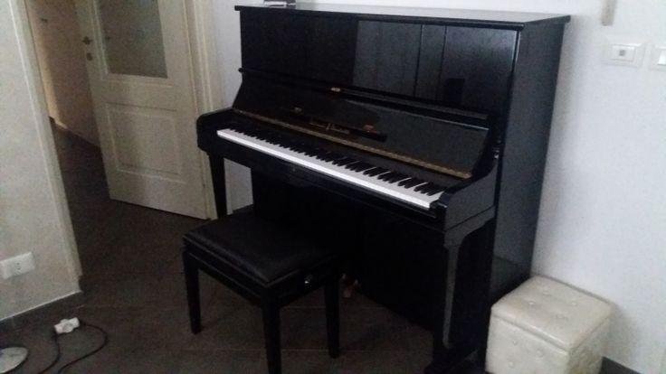 pianoforte verticale schulze pollmann nero con sgabello