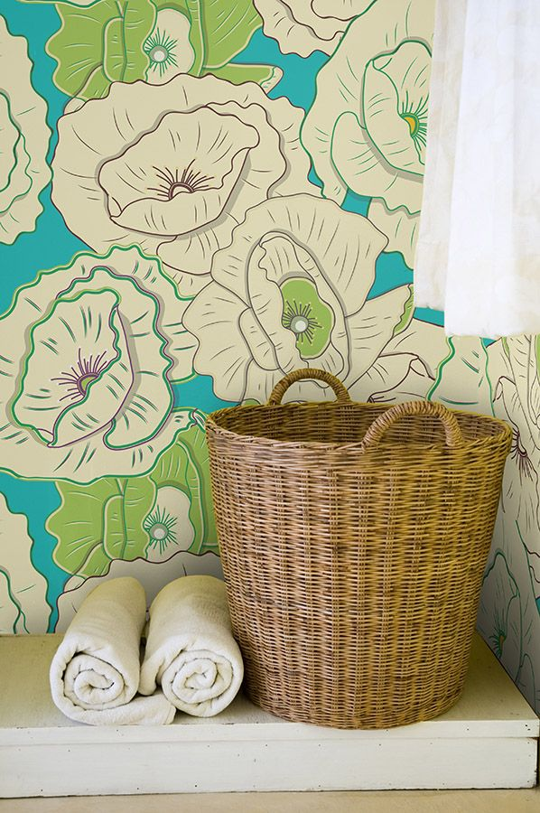 Floral wallpaper in bathroom by Fototapeta4u.pl