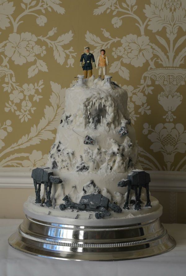 Images Of A Star Wars Cake : 25+ best ideas about Star Wars Wedding Cake on Pinterest ...