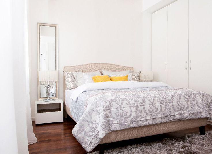 Eleganța pe care o transmite fiecare apartament din cadrul Docenților Residence a fost creată cu foarte mare atenție și a fost redată cu ajutorul produselor precum patul Pacific, canapeaua Vegas, șezlongul Paradise.