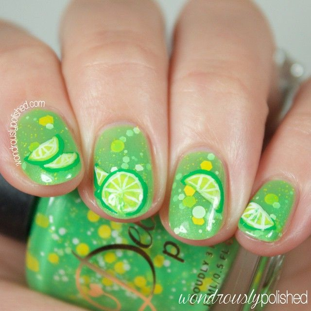 Cool lime nails by @wonderouslypolished.