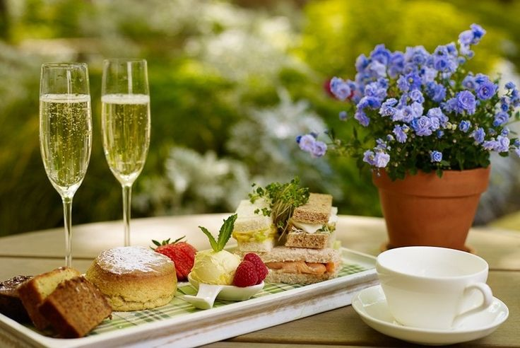 Afternoon Tea for 2 or 4 @ Urban Meadow, Doubletree Hilton