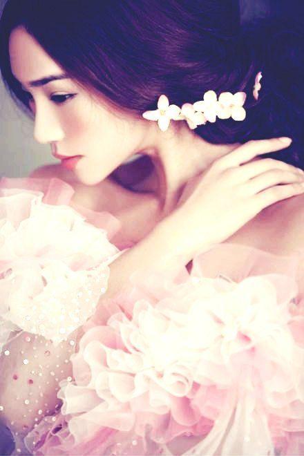 Pink Princess Wedding Dress, Valentine's Day wedding ideas www.loveitsomuch.com