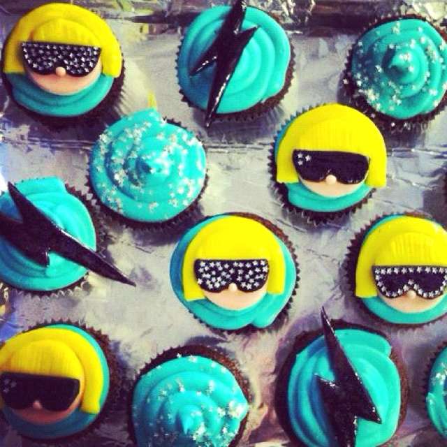 Lady Gaga Cupcakes! hahaha