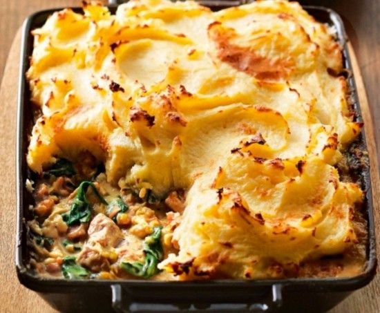 Creamy Chicken Bake If you're looking for a delicious family meal you can't go past this Creamy Chicken Bake. It's packed with Mushrooms, Bacon and Spinach, then topped with a creamy buttery mashed Potato and on the table in next to no time!