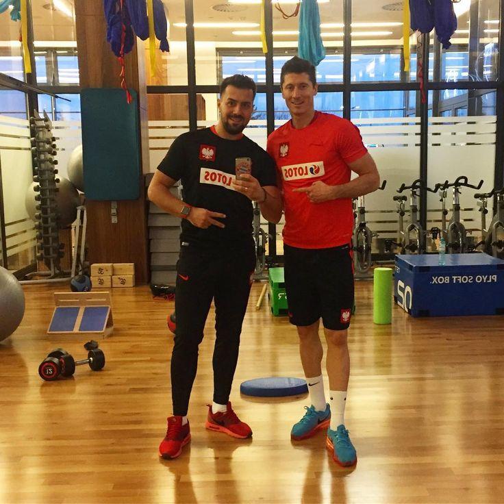 """Polubienia: 1,405, komentarze: 10 – FizjoSport (@physio_sport) na Instagramie: """"Trening indywidualny z @_rl9 💪🏼😁🇵🇱🔝 #training #rehatraining #rehab #lewandowski #lewangoalski #rl9…"""""""
