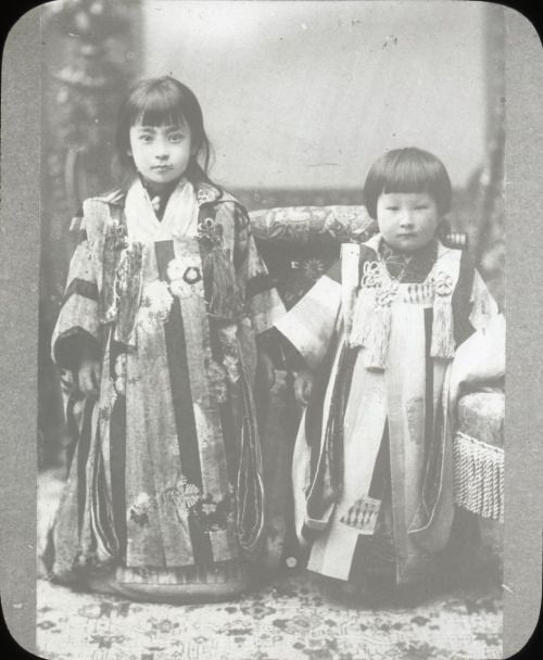 Oldest Known Person in World, Dies at 117 on March 31,2015 - Photo by Japanese bloggers of what is reputedly Misao Okawa as a young child in Japan - Circa. 1902