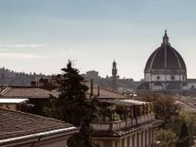 Dai un'occhiata a questo fantastico annuncio su Airbnb: New Hostel and private rooms a Firenze