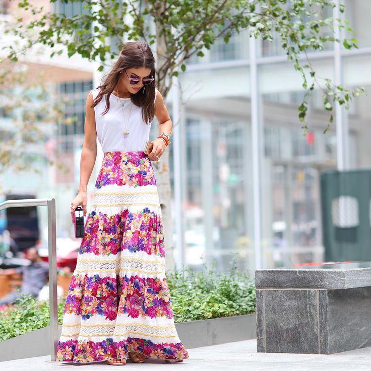 """""""Feminine vibe in @ceciliaprado_oficial maxi skirt ------- Vibe feminina com essa saia linda de @ceciliaprado_oficial ! """""""