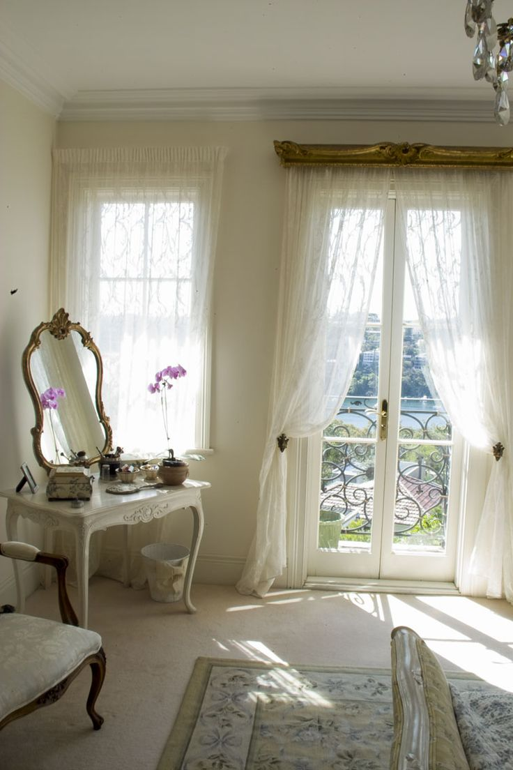 17 best images about the french bedroom on pinterest for Dressing area in bedroom