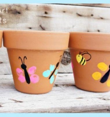 Spring crafts for kids - thumbprint art painted flower pots // Vidám pillagós tavaszi virágcserepek ujjlenyomatokkal // Mindy - craft tutorial collection