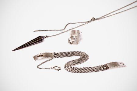 ann-demeulemeester-2011-fallwinter-accessories