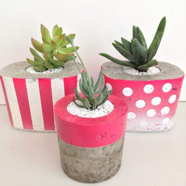 The pink series ready to go! Which is your favourite, spots, stripes or solid? #saltyshack #pink #concreteplanter #concretedecor #stripes #spots #handmade #succulent