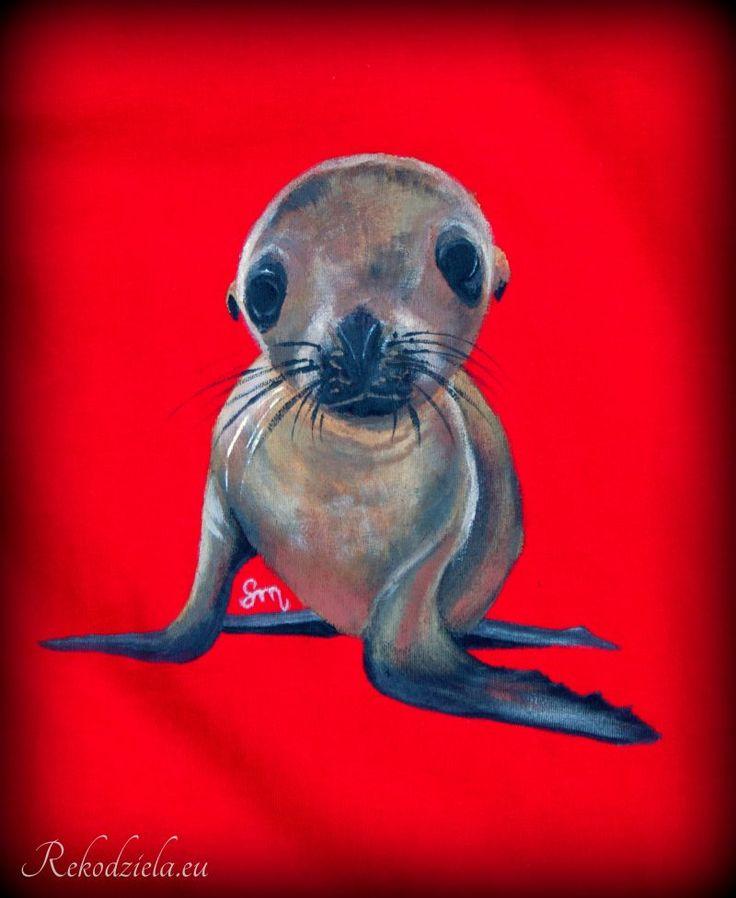Ręcznie malowana. Koszulka Uchatka | rekodziela.eu