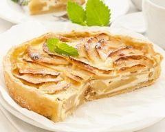 Tarte aux pommes à la crème fraîche (facile, rapide) - Une recette CuisineAZ