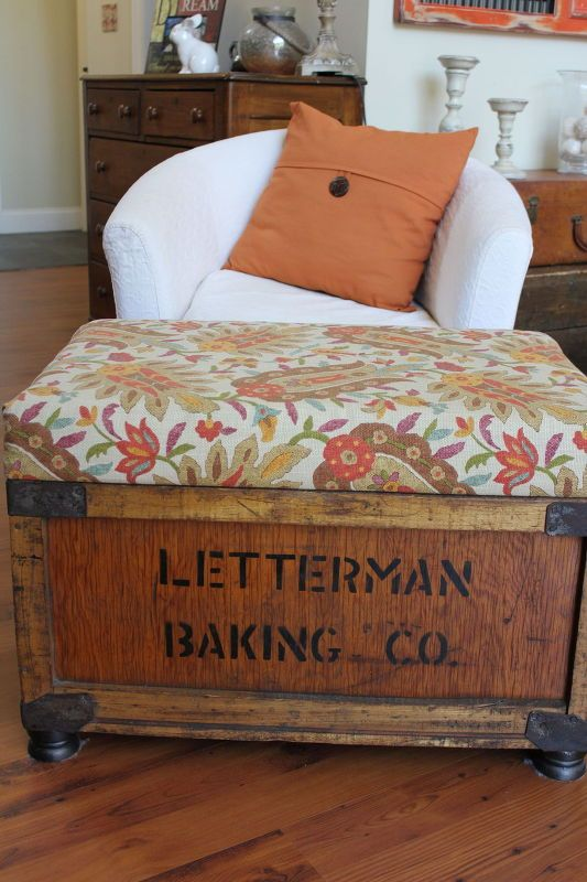 creating an ottoman from an old crate, diy, painted furniture, repurposing upcycling, woodworking projects