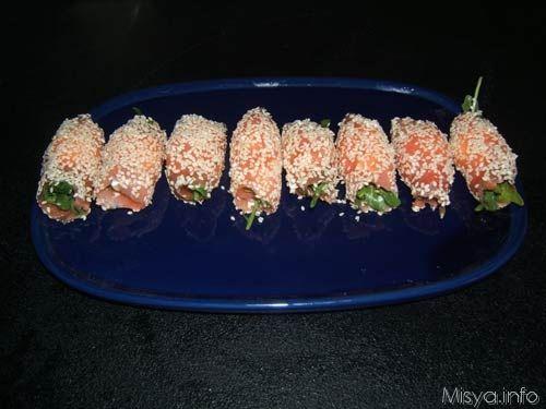 Involtini di salmone al sesamo