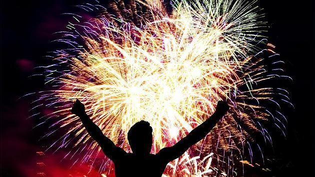 Zehn gute Vorsätze für Ihr Geld! Elterngeld, Rente, Steuertricks! So holen Sie sich 2015 Geld vom Staat zurück! http://www.focus.de/finanzen/news/elterngeld-rente-steuertricks-so-holen-sie-sich-2015-geld-vom-staat_id_4374589.html